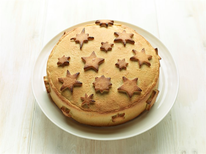 Rachel Allen S Christmas Cake With Toasted Almond Paste