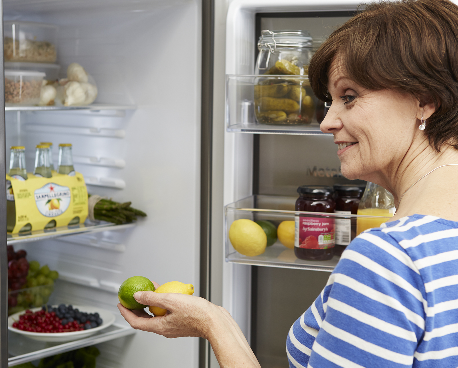 7 Signs Your Fridge Freezer Is On Its Last Legs