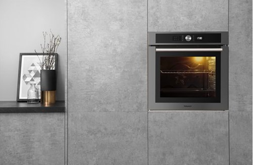 Hotpoint Class 4 electric oven