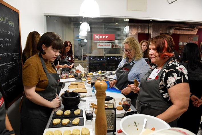 Bloggers at the NEFF Slide & Hide oven event