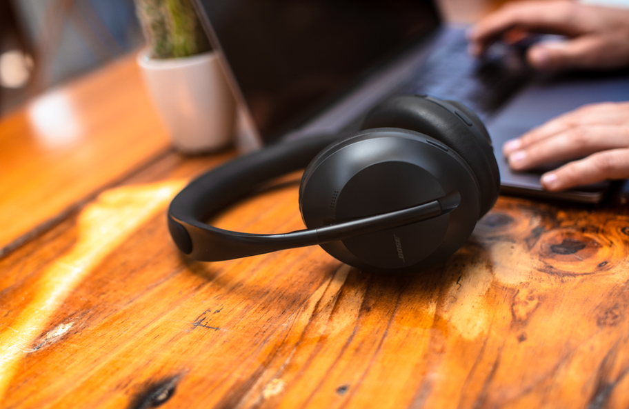 Bose Npise Cancelling 700 headphones on a table